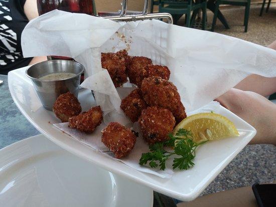 Pier 500 : Fried Walleye Nuggets