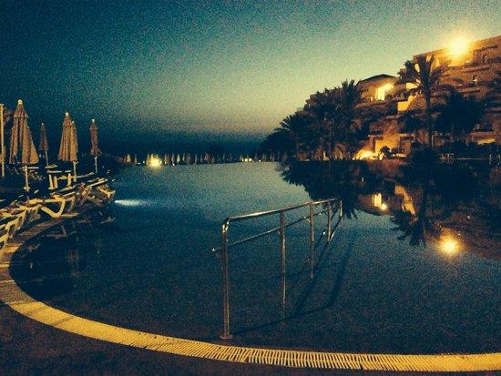 ClubHotel Riu Buena Vista : La piscina de noche