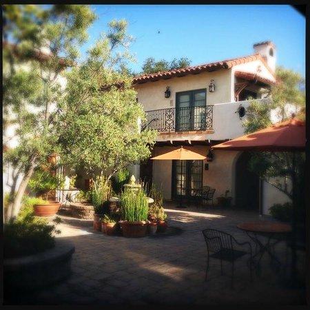 Su Nido Inn (Your Nest In Ojai): Court yard