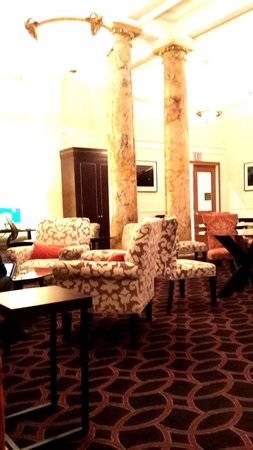 Club Quarters Hotel, Midtown: Nostalgic, comfortable lobby