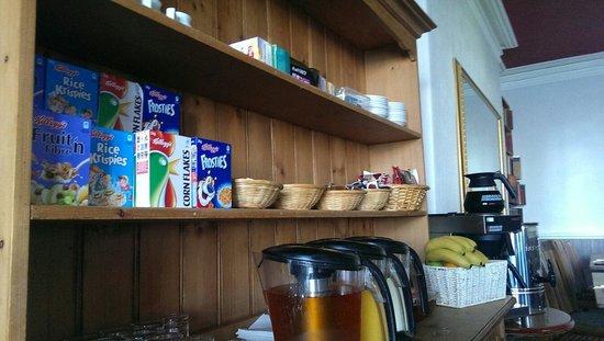 ذي جلينجاور هوتل: Just a few bits from the breakfast selection