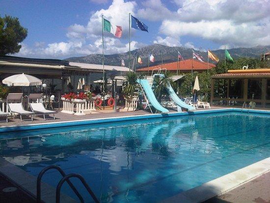La Riserva di Castel d'Appio : pool with slides and fitness room