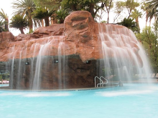 The Mirage Hotel & Casino: great pool area...