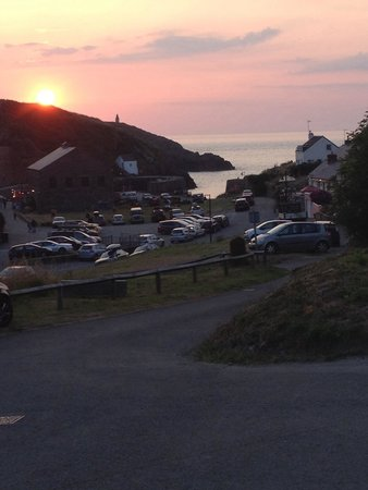 Porthgain Harbour: Sunset over porthgain