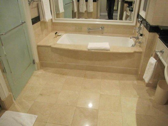 The Peninsula New York : Bath