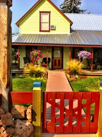 Pine Valley Lodge : The Front Porch Suite, wonderful!