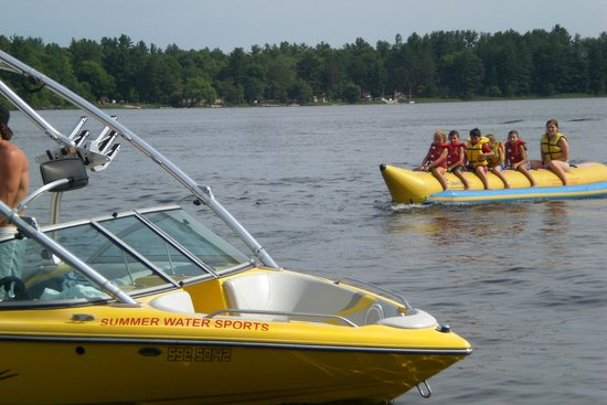 Bayview Wildwood Resort: Fun water activities