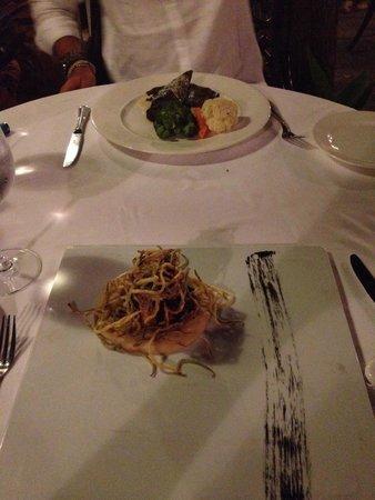 Seraser Fine Dining Restaurant : Secondi di pesce: branzino e polpo