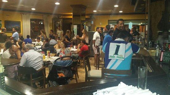 Bar Cafeteria Corona: Un viernes