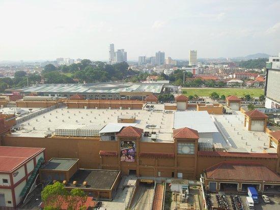 Mahkota Hotel Melaka : Vue de la chambre