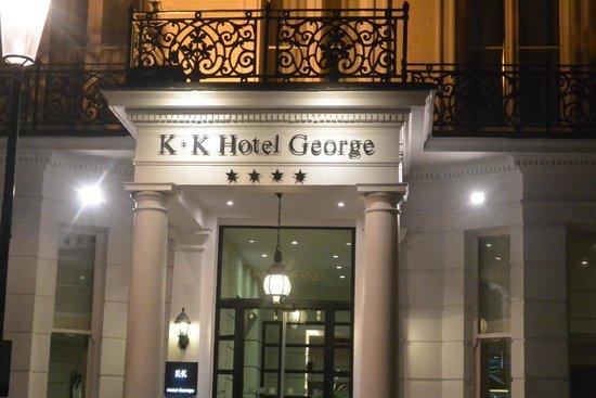 K+K Hotel George: Entrée