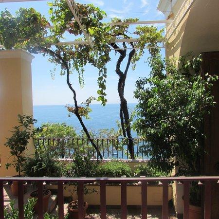 Hotel - Albergo California Positano : View from 1st floor balcony