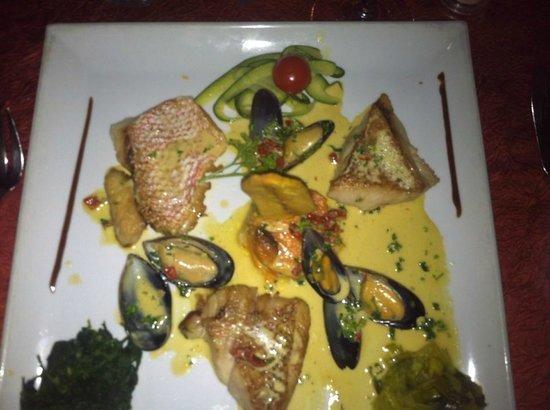 La Villa Restaurant: Red Snapper