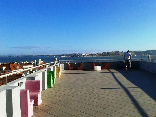 Lisb'on Hostel: terrasse de l'auberge de jeunesse