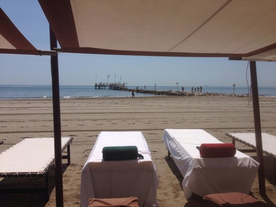 Hotel Excelsior: The cabana