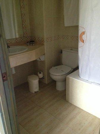 Catalonia Ses Estaques: Standard bathroom