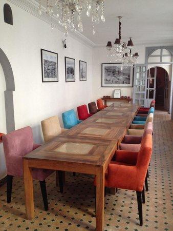 Riad Shemsi: Zona de desayuno