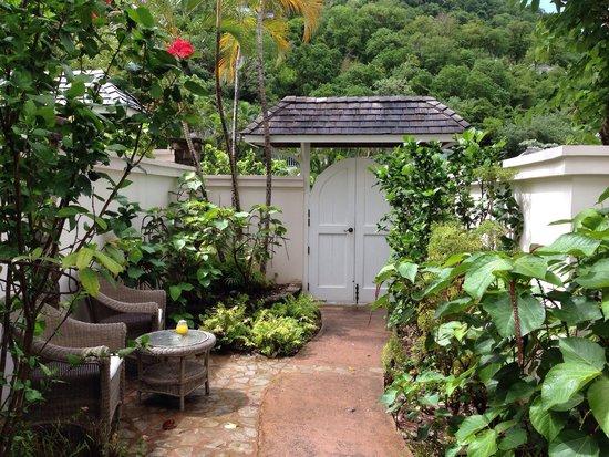 Sugar Beach, A Viceroy Resort: Our front garden