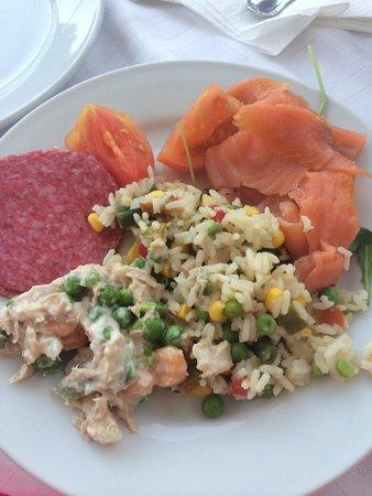 Hotel Tropico Playa: Lovely salmon