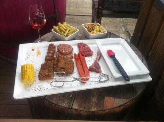 Solbeach: BBQ meat
