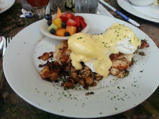Sun Garden Cafe : Cagun Seafood Benedict