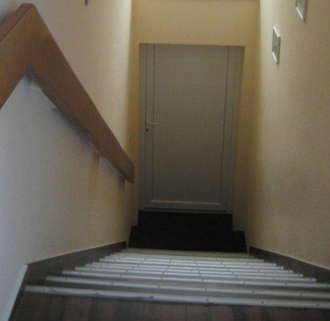 Desperados Hotel: Treppe zu den Zimmern