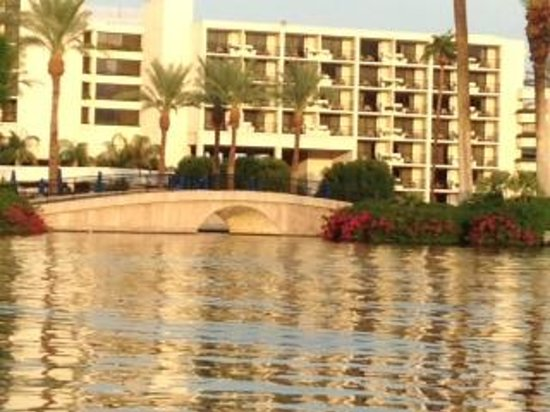JW Marriott Desert Springs Resort & Spa : Exterior of hotel