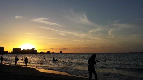 InterContinental San Juan: Yup...that's the sunset from the beach at the Intercontinental