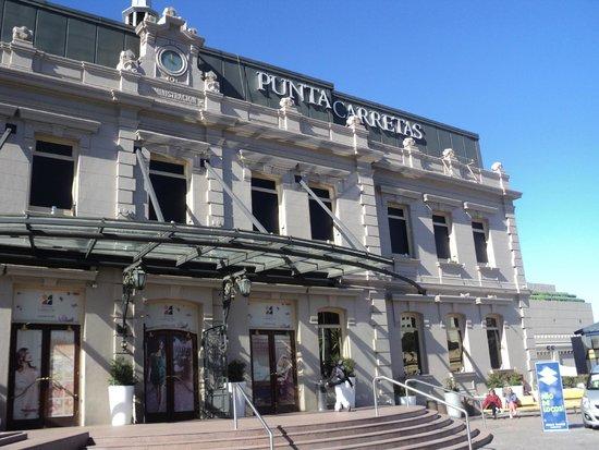 Dazzler Montevideo: vista del shopping punta carretas