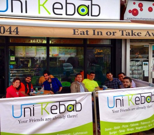 Uni Kebab : enjoying the new outside area