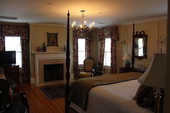 Bluff View Inn: Bryan Room