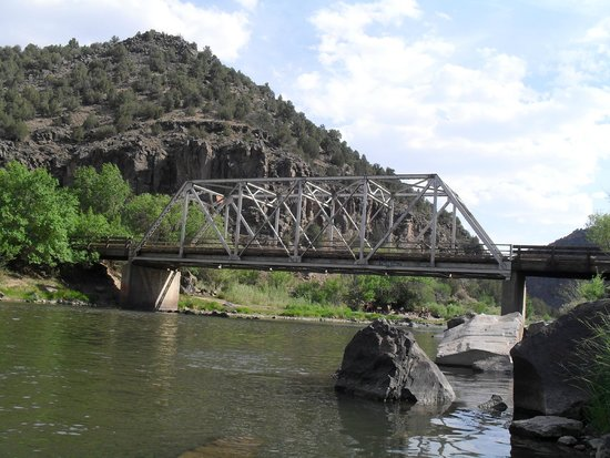 Arroyo Hondo, NM: John Dunn Bridged
