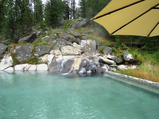 Gold Fork Hot Springs : Water enters here