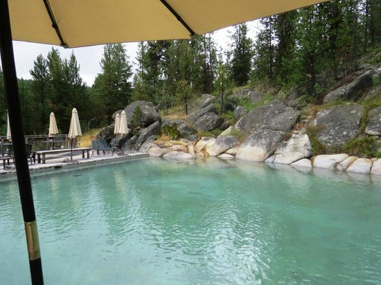 Gold Fork Hot Springs : Shade under the umbrellas