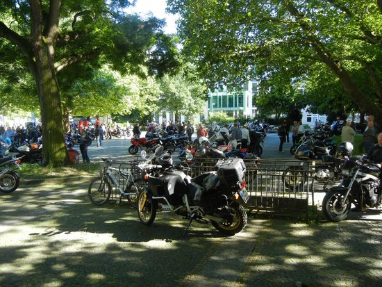 The Red Thread: Motorcycle convention at Georgsplatz.
