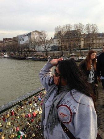 La Seine : Key throw in the Siene