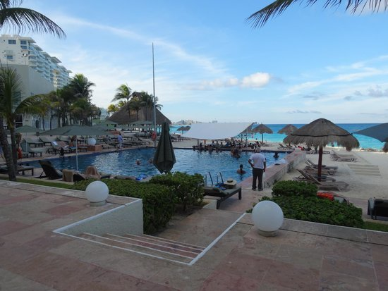 The Westin Resort & Spa, Cancun : Poolside