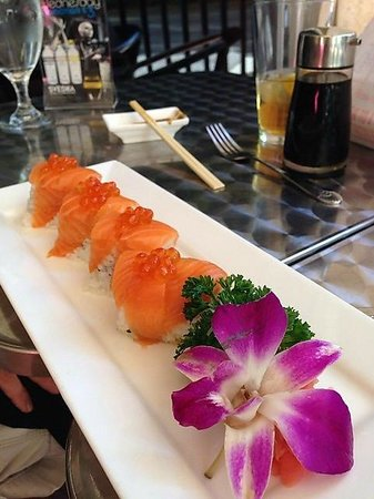 Tsunami Sushi & Hibachi Grill: Salmon Love!!!