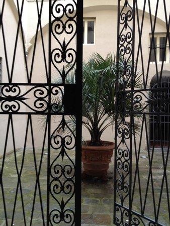 Antica Residenza Gatteschi: Il cortile interno