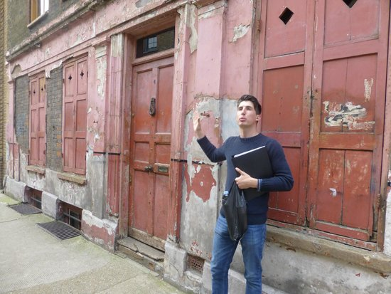 Eating London Tours: Historic east end section of London