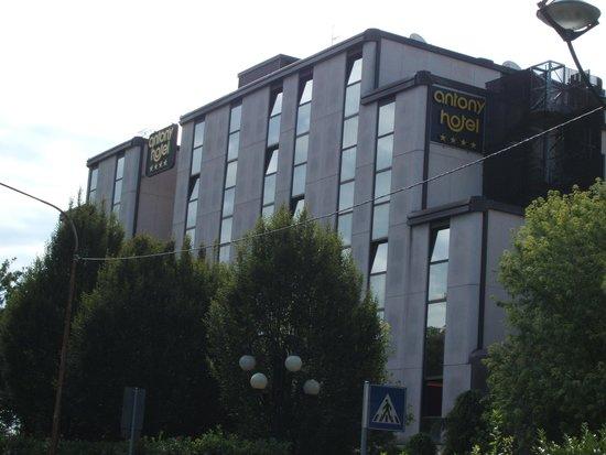 Antony Hotel: ホテル外観