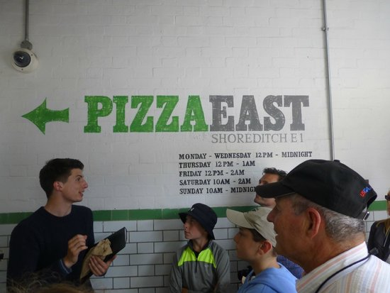 Eating London Tours: Had good pizza here!