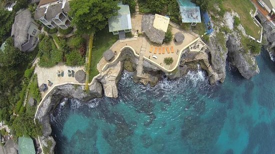 Banana Shout Resort: aerial view