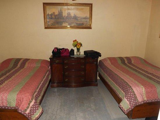 Camp Merryelande: Cottage #10 bedroom