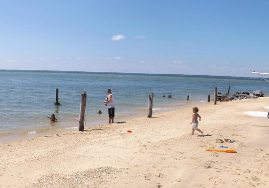 Camp Merryelande: Nice quiet beach. We were the only ones there this day! Loved it!