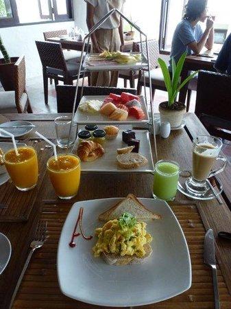 Aleenta Resort Pranburi: Breakfast