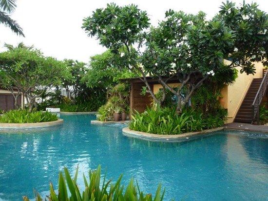 Aleenta Hua Hin Resort & Spa: Frangipani Wing