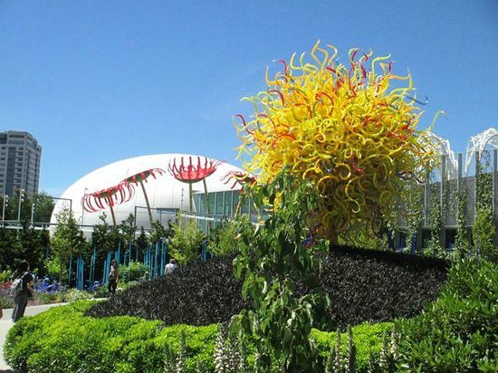 Jardín y cristal Chihuly: Out door garden by the solarium