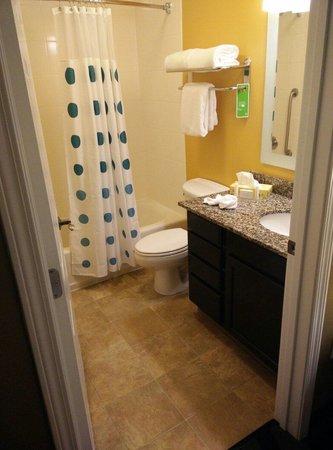 TownePlace Suites Joplin : Restroom