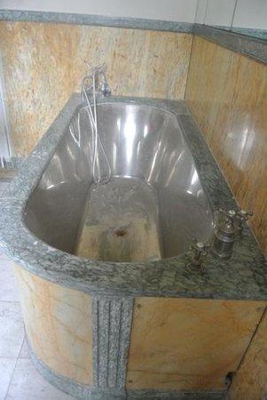 Ricki Stevenson's Black Paris Tours: Bathtub inside Josephine Baker's home Le Vesinet. Spectacular
